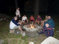 Chata Hlavice 2013 - Posezení u ohniště